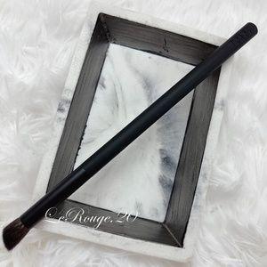 Nars 43 wild contour eyeshadow brush